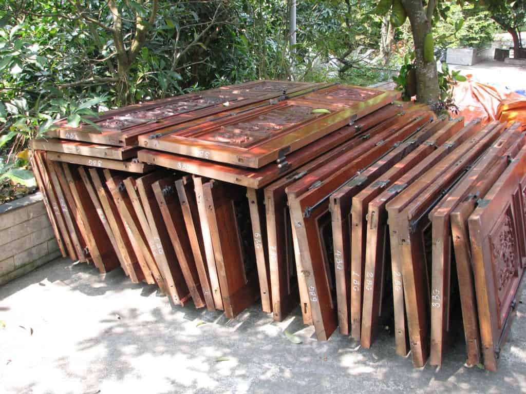 thu mua cửa gỗ cũ