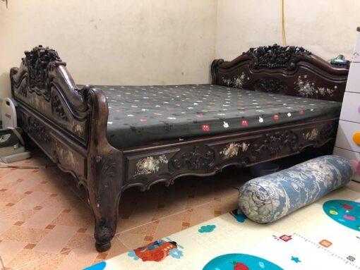 giường gỗ gụ cũ